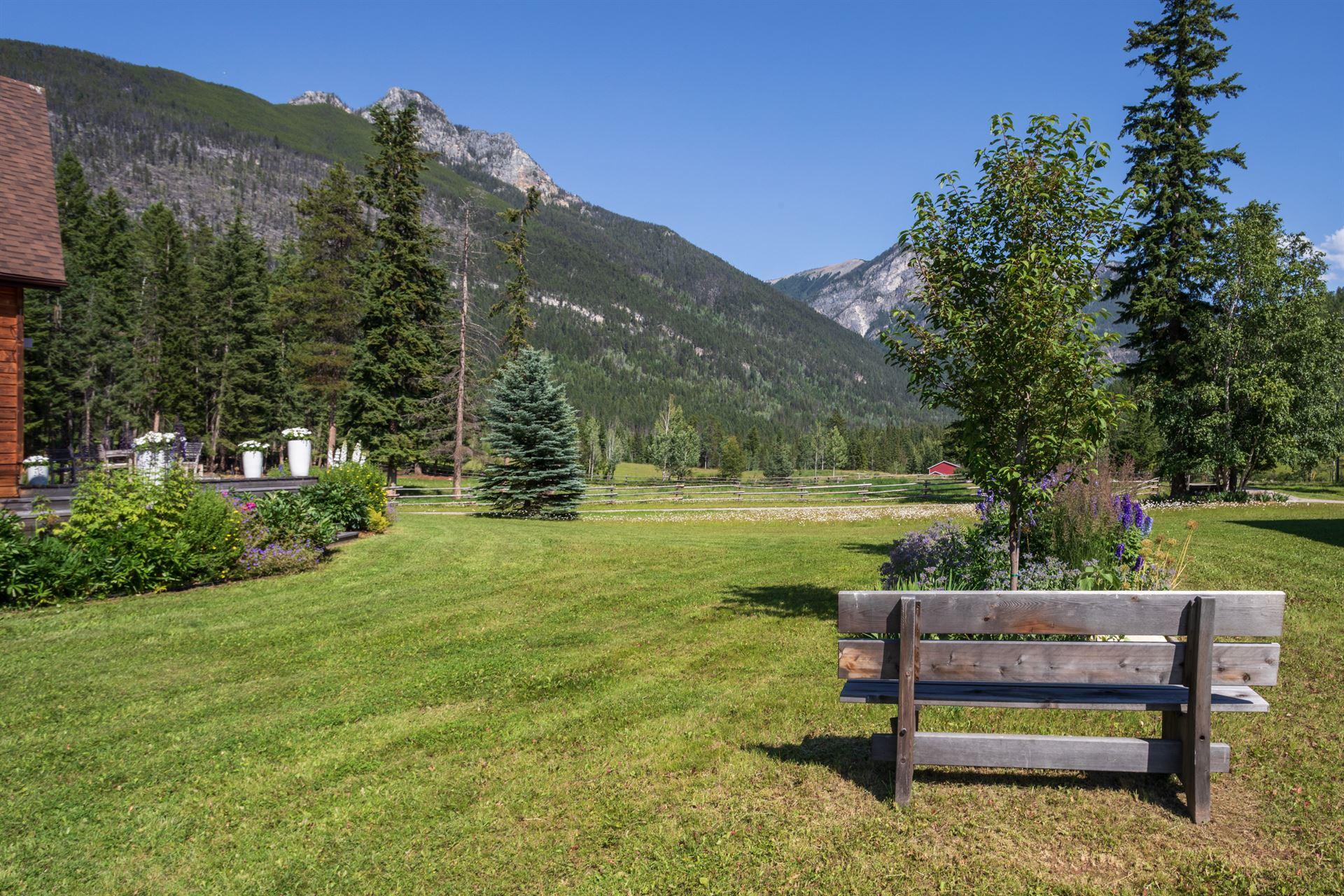 home lodge outside gardens