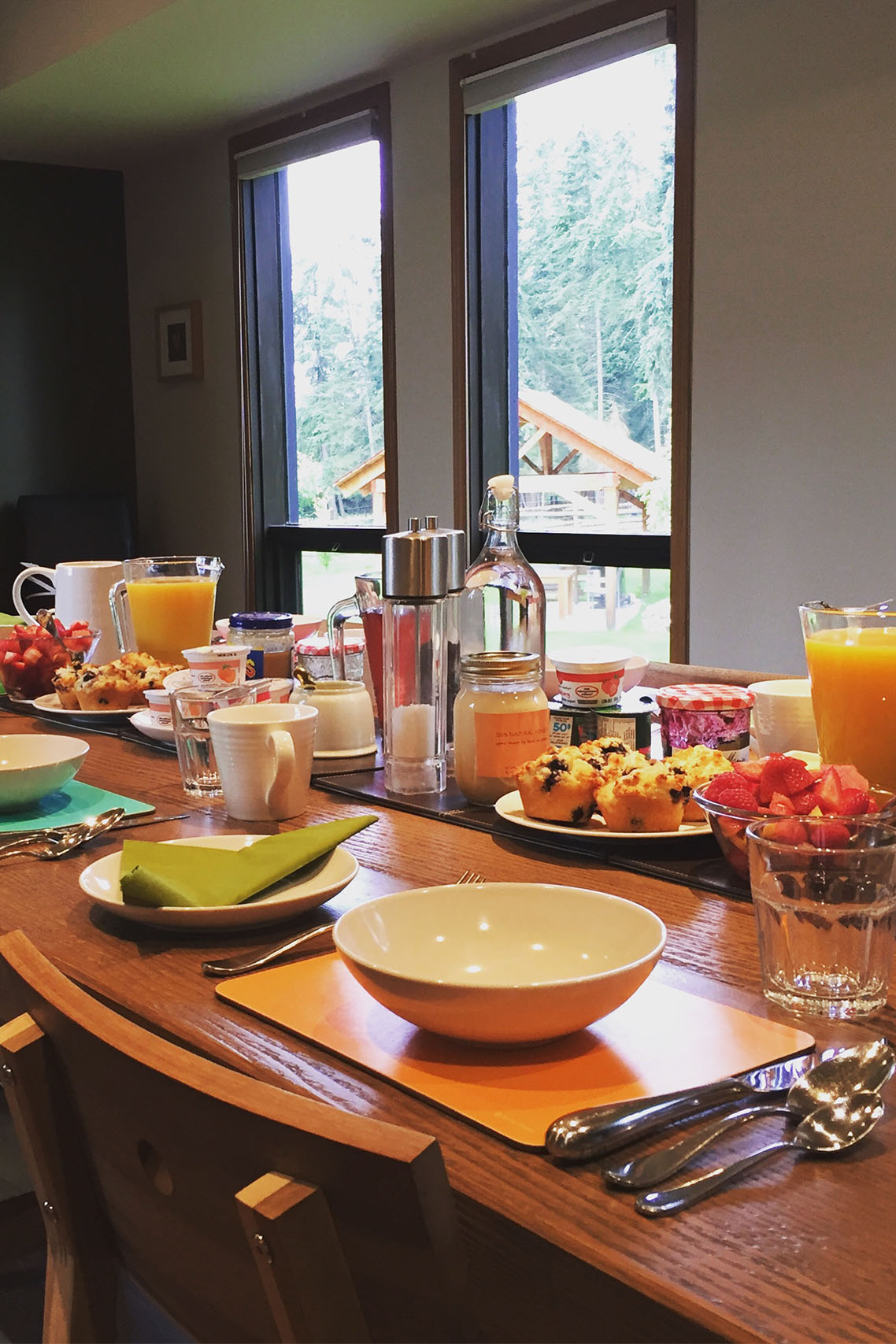 breakfast setting at home lodge